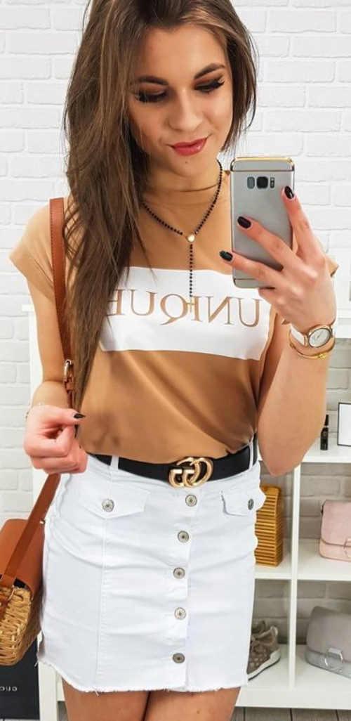 Biela dámska džínsová minisukňa s čiernym pásikom
