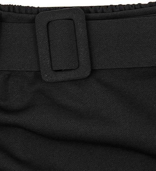 Čierna sukňa s ozdobným opaskom