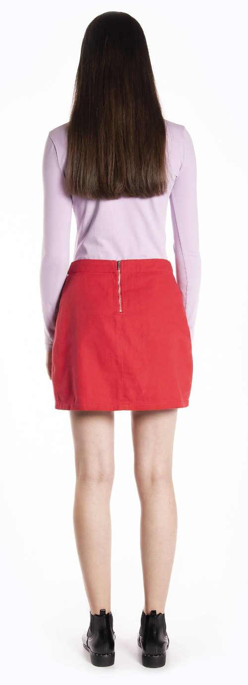 Krátka červená riflová sukňa so zapínaním na zips