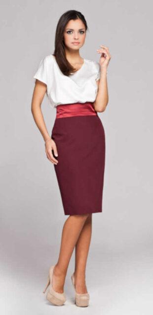 Moderná puzdrová sukňa v dĺžke po kolená v pôsobivé farbe