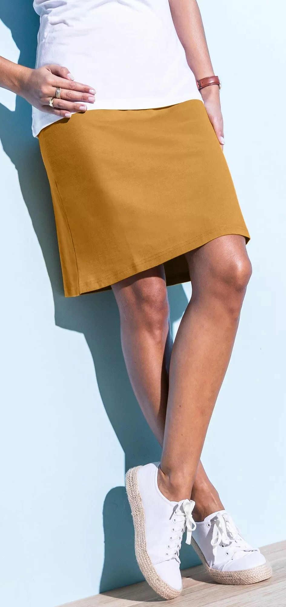 Dámska sukňa žlto-hnedej medovej farby