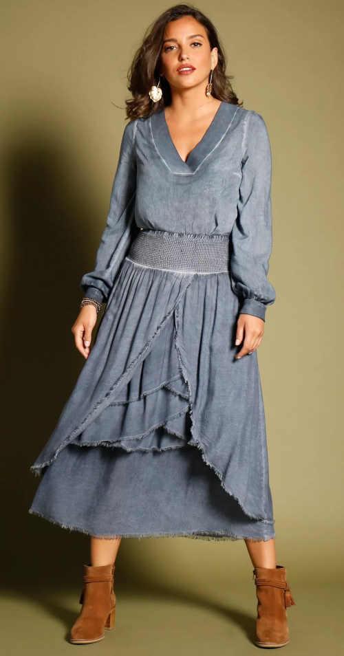 Dlhá asymetrická modrá sukňa