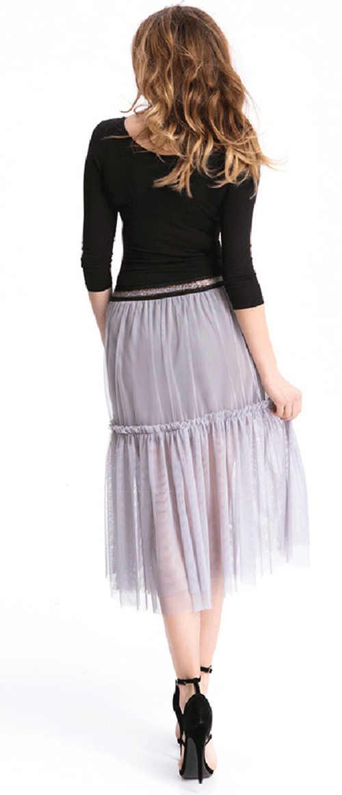 Moderná sukňa s volánmi v šedom prevedení