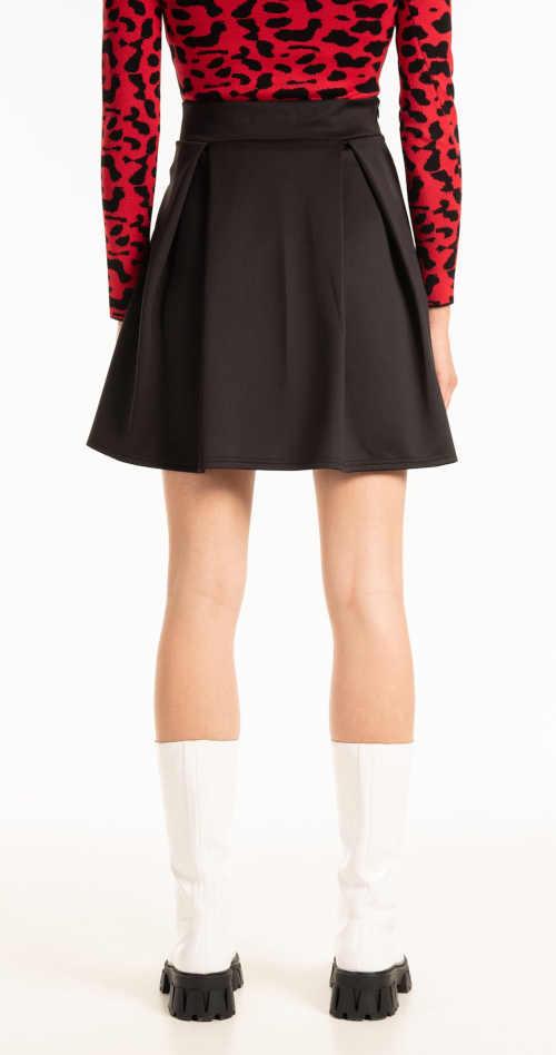 Štýlová sukňa v mini dĺžke