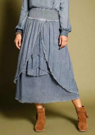 Volánová dámska asymetrická sukňa v ošúchanom vzhľadu