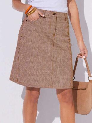 Dámska sukňa v klasickom prevedení s jemnými prúžkami