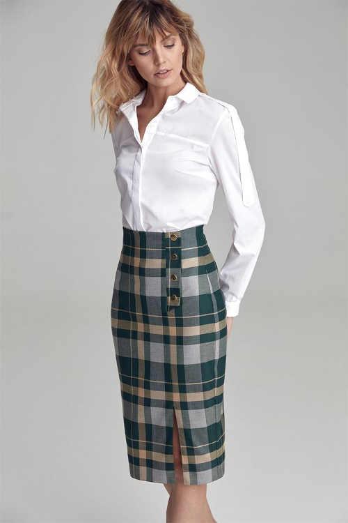 Módne sukne v kockovanom vzore lichotiaci postave