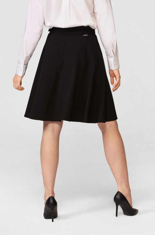 Čierna kvalitná sukňa v tvare písmena A