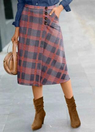 Módna dámska kockovaná sukňa s rukávmi v midi dĺžke