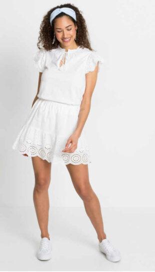 Biela letná sukňa v krátkej dĺžke zdobená očkovou výšivkou