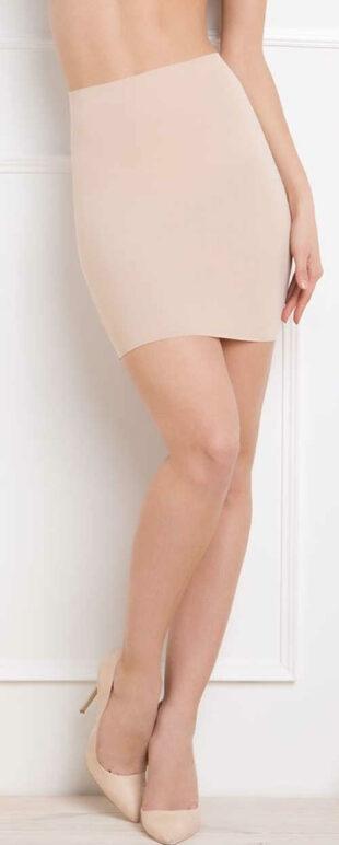 Hladká šnúrková spodnička tvarujúca postavu od bruška po stehná