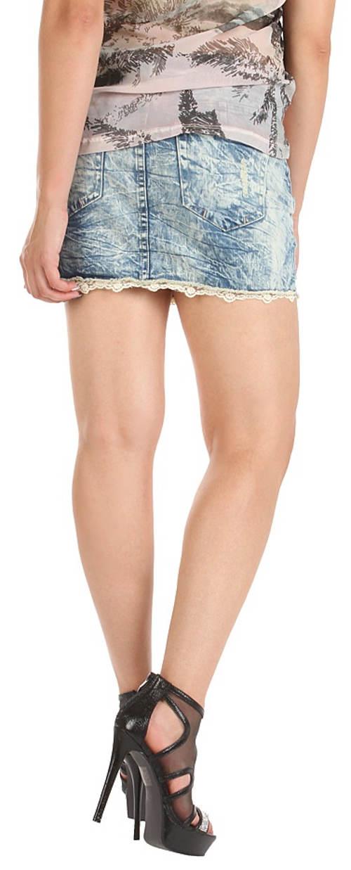Krátka džínsová sukňa s čipkovanými lemami