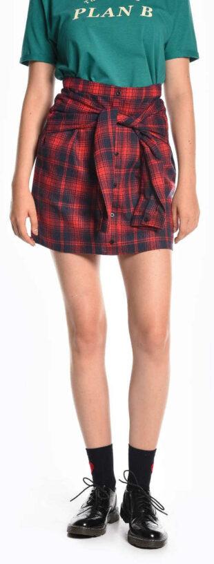 Károvaná sukňa s gombíkovou légou a umelým uzlom na rukávoch