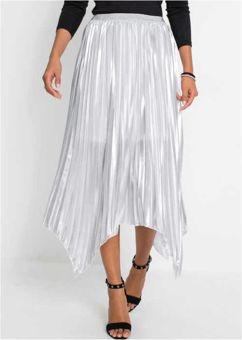 Pôsobivá asymetrická skladaná sukňa